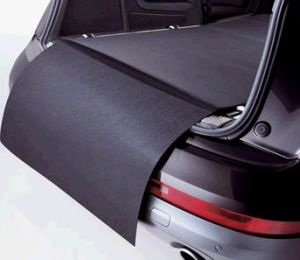 2012 Audi Q5 Reversible Trunk Mat with Bumper Protection